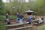 Senioren als Hausmeister im Schulwald